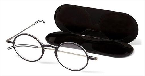 極限の薄さと軽さとデザイン性を両立させた読書用メガネです!